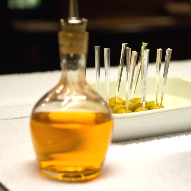 Los 16 utensilios esenciales en coctelería