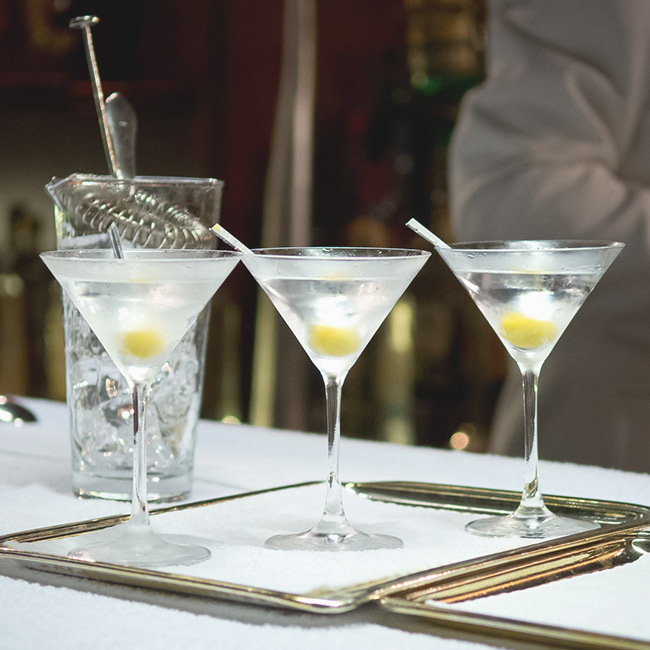 How to prepare a cocktail at home